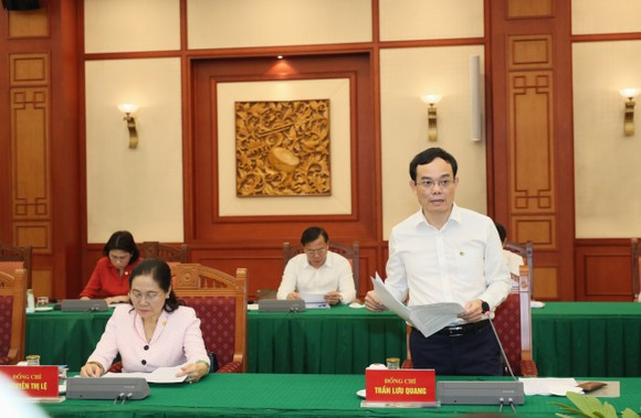 Tập thể Bộ Chính trị làm việc với tập thể Ban Thường vụ Thành ủy TPHCM  ảnh 3