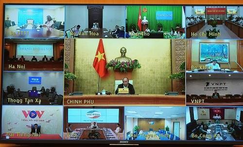 Thủ tướng Nguyễn Xuân Phúc chủ trì cuộc họp Thường trực Chính phủ về phòng chống dịch Covid-19