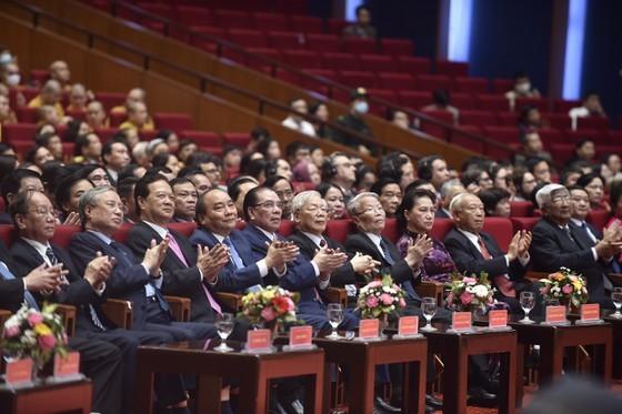 Tổng Bí thư, Chủ tịch nước Nguyễn Phú Trọng: Chấp nhận những điểm khác nhau không trái với lợi ích chung của dân tộc ảnh 1