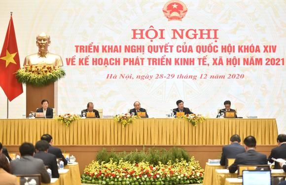 Bộ trưởng Tô Lâm: Trung bình mỗi ngày có hàng trăm người xuất, nhập cảnh trái phép qua đường bộ ảnh 1