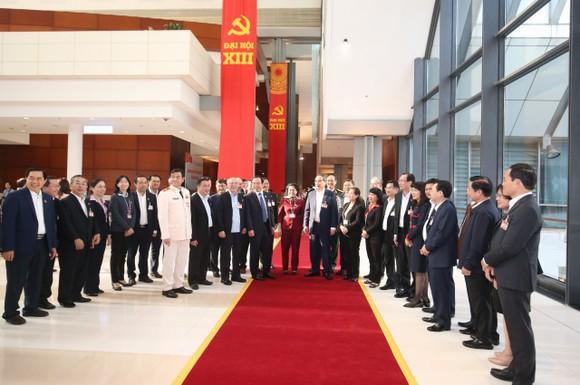 Thông cáo báo chí về phiên khai mạc Đại hội đại biểu toàn quốc lần thứ XIII của Đảng ảnh 1