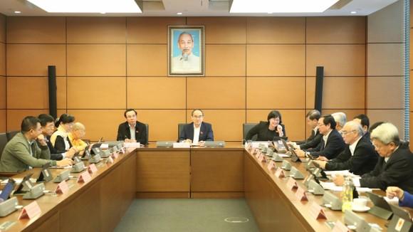 Đoàn ĐBQH TPHCM thảo luận chiều 25-3. Ảnh: QUANG PHÚC