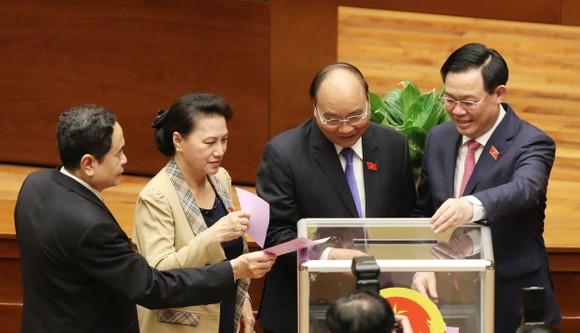 Đề cử 3 nhân sự để Quốc hội bầu Phó Chủ tịch Quốc hội ảnh 1
