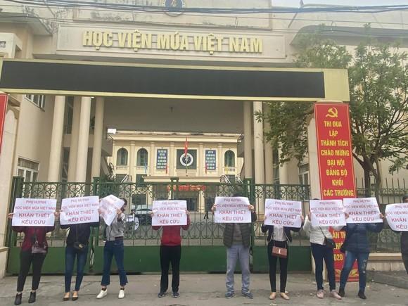 Học viện Múa Việt Nam đào tạo không đúng quy định khiến hàng trăm học sinh điêu  đứng   ảnh 1