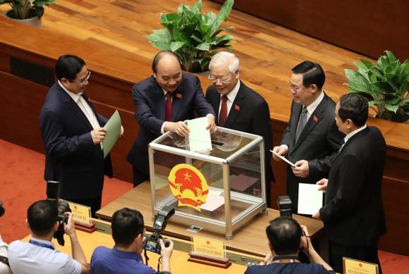Đồng chí Võ Thị Ánh Xuân làm Phó Chủ tịch nước ảnh 1