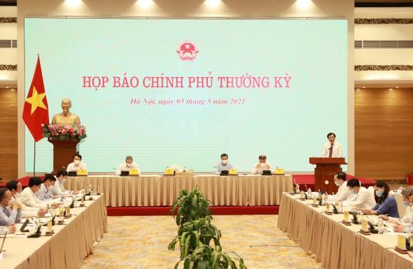 Xem xét kỹ các trường hợp chuyên gia nước ngoài vào Việt Nam ảnh 2