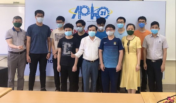 Lần đầu tiên, Việt Nam có học sinh đạt điểm cao nhất Olympic Vật lý châu Á - Thái Bình Dương ảnh 1