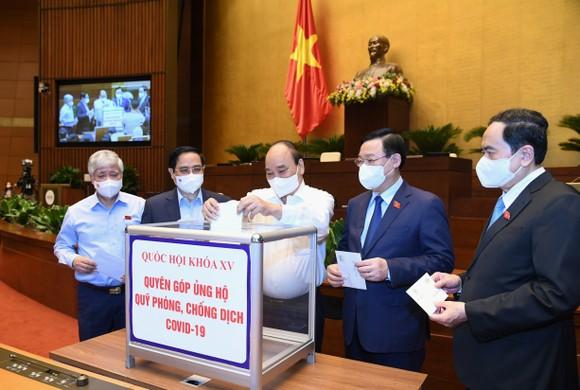 Chính phủ trình Quốc hội được áp dụng các quy định khác hoặc chưa được luật định để kịp thời chống dịch ảnh 1