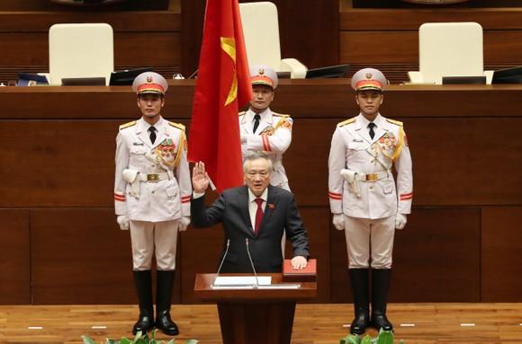 Chánh án Tòa án nhân dân tối cao Nguyễn Hòa Bình tuyên thệ nhậm chức ảnh 1