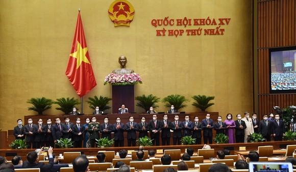Bế mạc kỳ họp thứ nhất, Quốc hội khóa XV: Mục tiêu trước hết và trên hết là chăm sóc và bảo vệ sức khỏe của Nhân dân ảnh 2