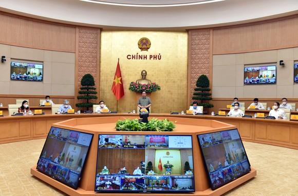 Thủ tướng Phạm Minh Chính, Trưởng Ban Chỉ đạo Quốc gia phòng, chống dịch Covid-19 chủ trì cuộc họp. Ảnh: VIẾT CHUNG