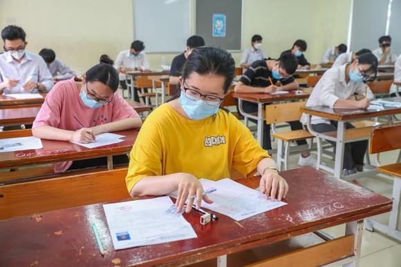 Thí sinh dự thi tốt nghiệp THPT 2021. ẢNH: QUANG PHÚC