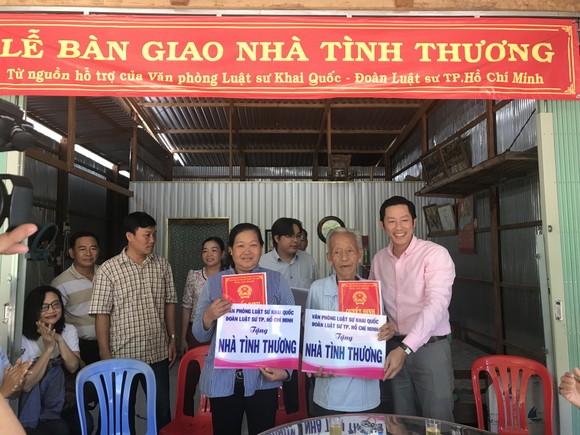 Luật sư TPHCM tặng nhà tình thương tới hộ nghèo Đồng Tháp ảnh 1