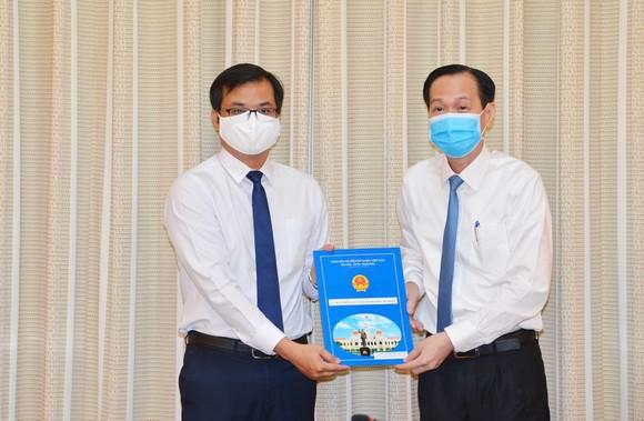 Chủ tịch UBND quận 10 Trần Xuân Điền nhận công tác tại Thành ủy TPHCM ảnh 2
