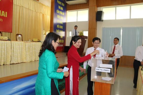 Ông Nguyễn Văn Hồng làm Chủ tịch UBND huyện Cần Giờ ảnh 2