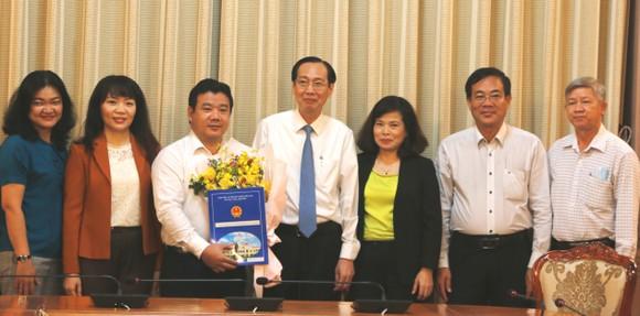 Ông Nguyễn Trần Phú làm Phó Giám đốc Sở Tài chính TPHCM ảnh 1