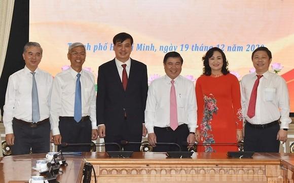 Phó Chủ tịch UBND TPHCM Võ Văn Hoan điều hành hoạt động chung của UBND TPHCM trong 9 ngày ảnh 1