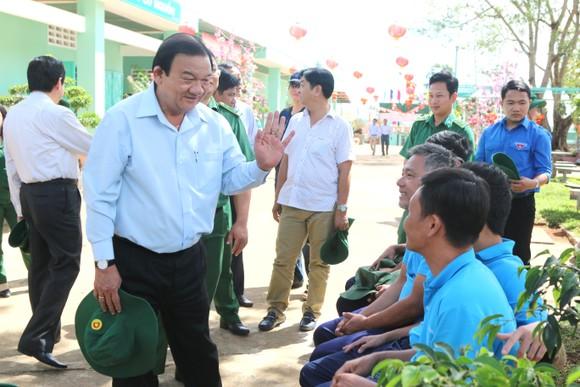 Giám đốc Sở LĐTB-XH TPHCM Lê Minh Tấn thăm, chúc tết cơ sở cai nghiện ma túy ảnh 1
