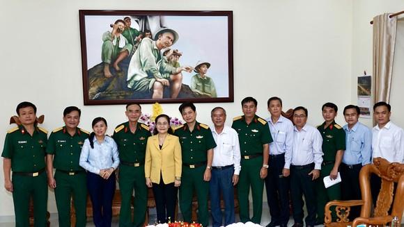 Chủ tịch HĐND TPHCM Nguyễn Thị Lệ thăm, chúc tết các đơn vị, cá nhân ảnh 1