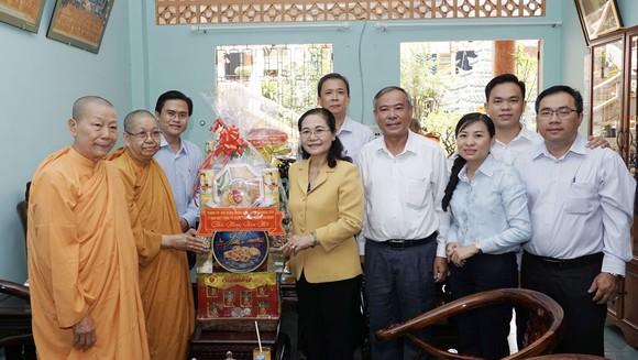 Chủ tịch HĐND TPHCM Nguyễn Thị Lệ thăm, chúc tết các đơn vị, cá nhân ảnh 5