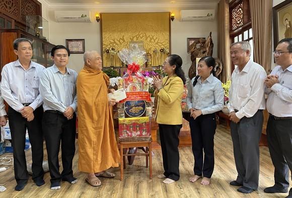 Chủ tịch HĐND TPHCM Nguyễn Thị Lệ thăm, chúc tết các đơn vị, cá nhân ảnh 6