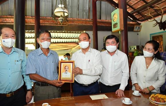 Cử tri huyện Củ Chi vui mừng khi Chủ tịch nước ứng cử đại biểu Quốc hội tại vùng đất cách mạng ảnh 4