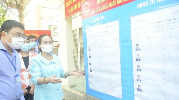Chủ tịch HĐND TPHCM Nguyễn Thị Lệ kiểm tra việc chuẩn bị bầu cử tại TP Thủ Đức ảnh 3