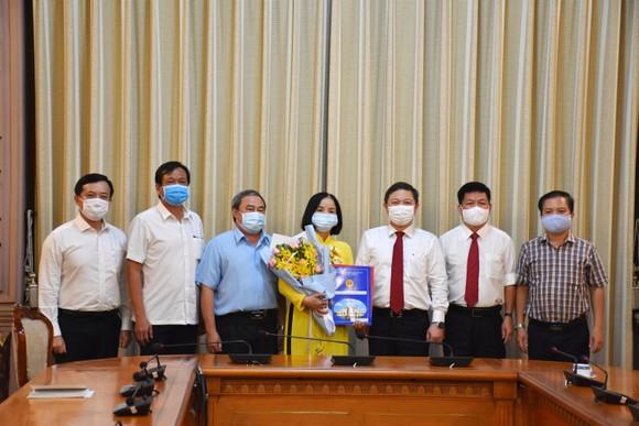 Bà Lê Thị Hồng Hậu làm Chủ tịch HĐTV Công ty TNHH MTV Dịch vụ cơ quan nước ngoài ảnh 1