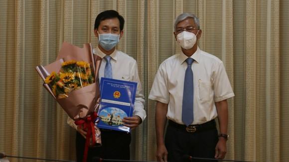 Ông Lê Hồng Sơn đến nhận công tác tại Thành ủy TPHCM ảnh 1