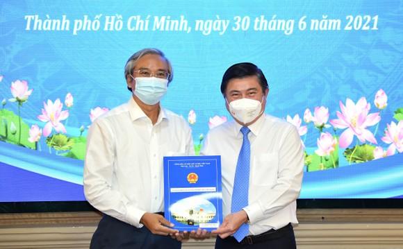 Đồng chí Lê Đức Thanh làm Chủ tịch UBND quận 1, Nguyễn Thị Thu Hường làm Chủ tịch UBND quận 10 ảnh 3