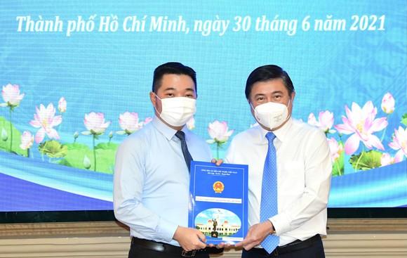 Đồng chí Lê Đức Thanh làm Chủ tịch UBND quận 1, Nguyễn Thị Thu Hường làm Chủ tịch UBND quận 10 ảnh 4