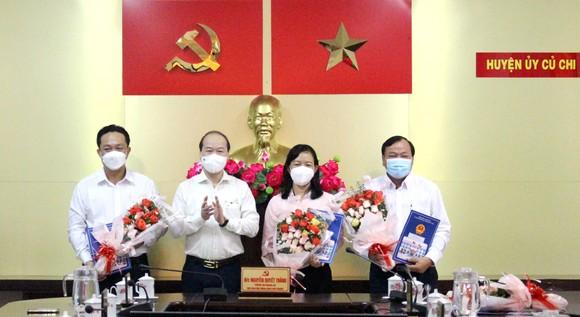 UBND TPHCM phê chuẩn kết quả bầu tân Chủ tịch UBND huyện Củ Chi Phạm Thị Thanh Hiền ảnh 2