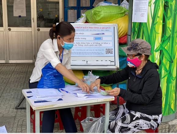 Gần 214.000 lao động tự do tại TPHCM đã nhận hỗ trợ  ảnh 1