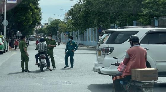 Phó Bí thư Thường trực Thành ủy TPHCM Phan Văn Mãi: Quyết liệt giãn cách, nhưng cũng chuẩn bị tâm thế cho tình huống xấu hơn ảnh 3