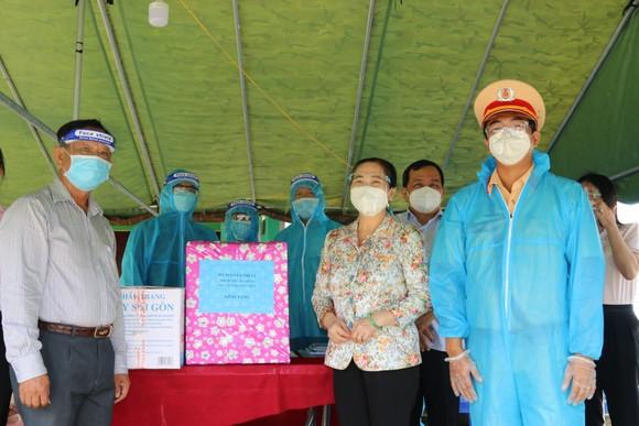 Chủ tịch HĐND TPHCM Nguyễn Thị Lệ biểu dương người dân đã giữ được 'vùng xanh' ảnh 2