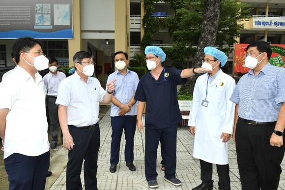 Chủ tịch UBND TPHCM Nguyễn Thành Phong: Có kế hoạch chi tiết, phấn đấu đến ngày 15-9 TP kiểm soát được dịch Covid-19 ảnh 6