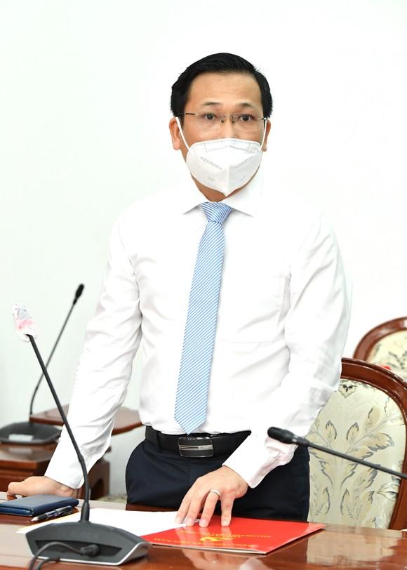 Đồng chí Nguyễn Hoàng Anh giữ chức vụ Phó Chánh Văn phòng Thành ủy TPHCM ảnh 1