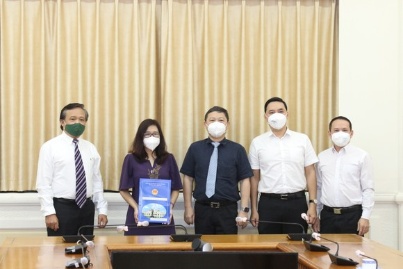 Bà Đinh Thị Phương Thảo làm Phó Chủ nhiệm Ủy ban về người Việt Nam ở nước ngoài TPHCM ảnh 1