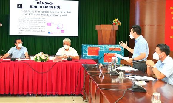 Bí thư Thành ủy TPHCM Nguyễn Văn Nên: Từng bước đưa cuộc sống trở lại trạng thái bình thường mới ảnh 1