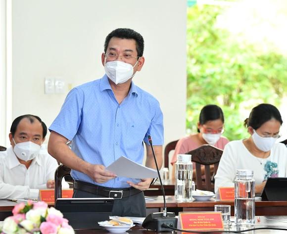 Bí thư Thành ủy TPHCM Nguyễn Văn Nên: Từng bước đưa cuộc sống trở lại trạng thái bình thường mới ảnh 4
