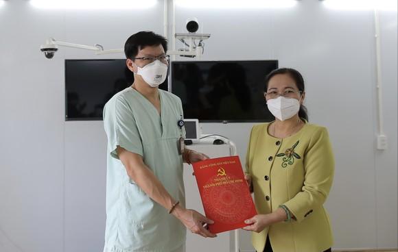 Chủ tịch HĐND TPHCM Nguyễn Thị Lệ: Không bao giờ quên những đóng góp to lớn của các y bác sĩ  ảnh 9