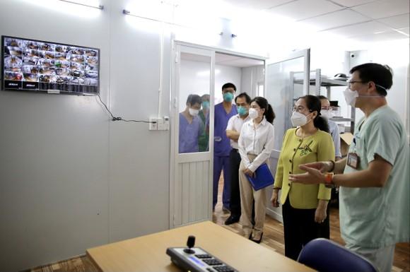 Chủ tịch HĐND TPHCM Nguyễn Thị Lệ: Không bao giờ quên những đóng góp to lớn của các y bác sĩ  ảnh 12