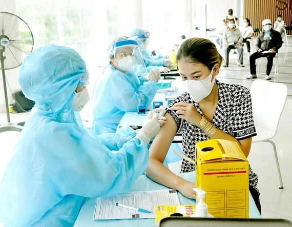 Bí thư Thành ủy TPHCM Nguyễn Văn Nên: Khôi phục TPHCM từng bước chắc chắn và phát triển trở lại ảnh 4