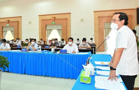 Bí thư Thành ủy TPHCM Nguyễn Văn Nên: 'Yếu tố cần nhất để mở cửa trở lại chính là vaccine' ảnh 2