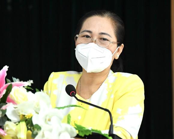 Chủ tịch HĐND TPHCM Nguyễn Thị Lệ phát biểu tại hội nghị. Ảnh: VIỆT DŨNG