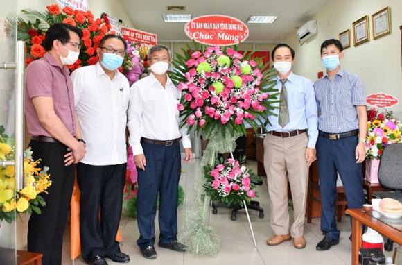 Chủ tịch UBND tỉnh Đồng Nai thăm Văn phòng đại diện Báo Sài Gòn Giải Phóng ảnh 1