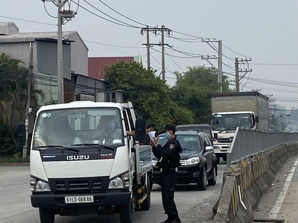 300 cảnh sát cơ động chi viện cho Công an Đồng Nai chống dịch Covid-19 ảnh 1