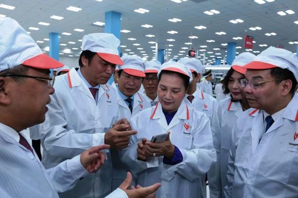 Chủ tịch Quốc hội: Khu CNC Hòa Lạc phải trở thành trung tâm phát triển công nghệ của đất nước ảnh 2
