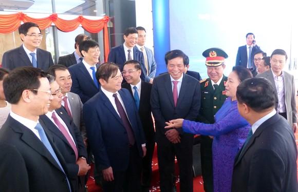 Chủ tịch Quốc hội: Khu CNC Hòa Lạc phải trở thành trung tâm phát triển công nghệ của đất nước ảnh 7