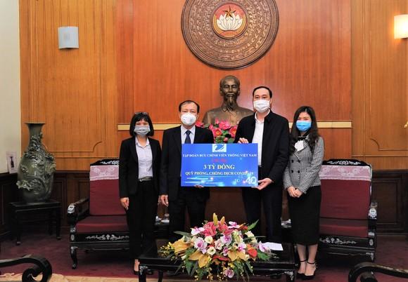 VNPT đóng góp 3 tỷ đồng, hỗ trợ chống dịch Covid-19 ảnh 1